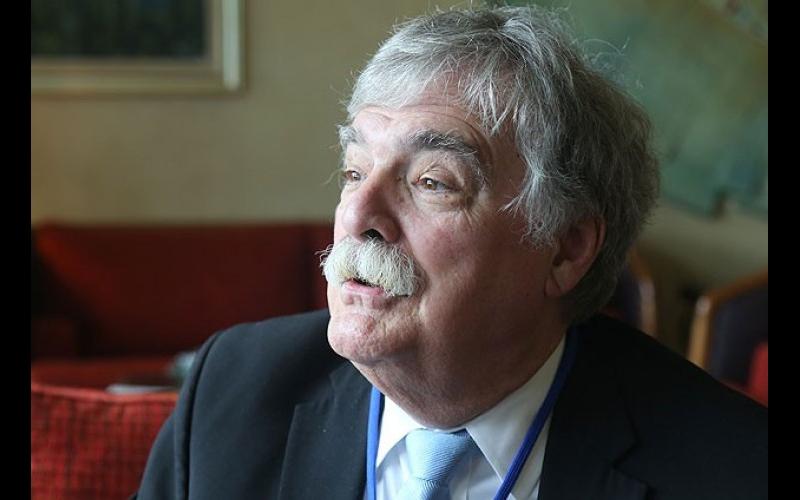 Professor Castin Makkarti: Əsassız iddialar ermənilərin xislətindən irəli gəlir