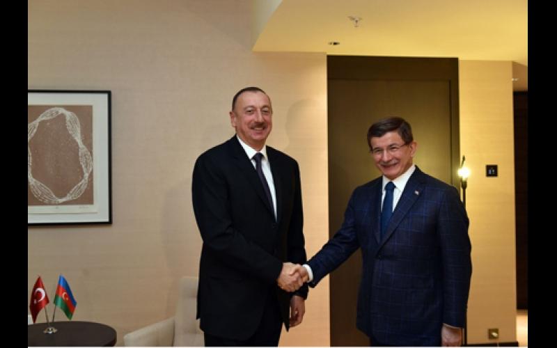 Prezident İlham Əliyev Davudoğlu ilə görüşdü