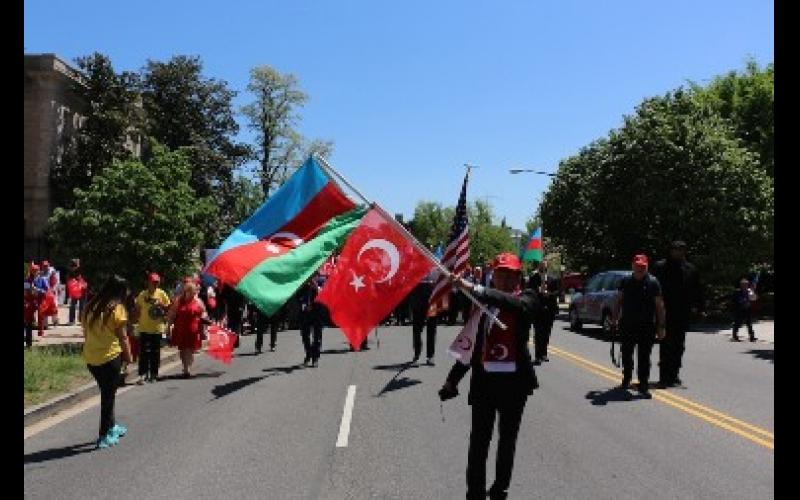 Vaşinqtonda erməni iddialarına qarşı Türkiyəyə dəstək yürüşü keçirilib