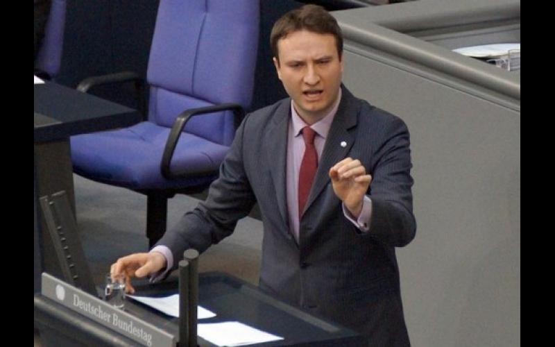 Bundestaqın deputatı: Beynəlxalq birlik Ermənistana təzyiq göstərməlidir