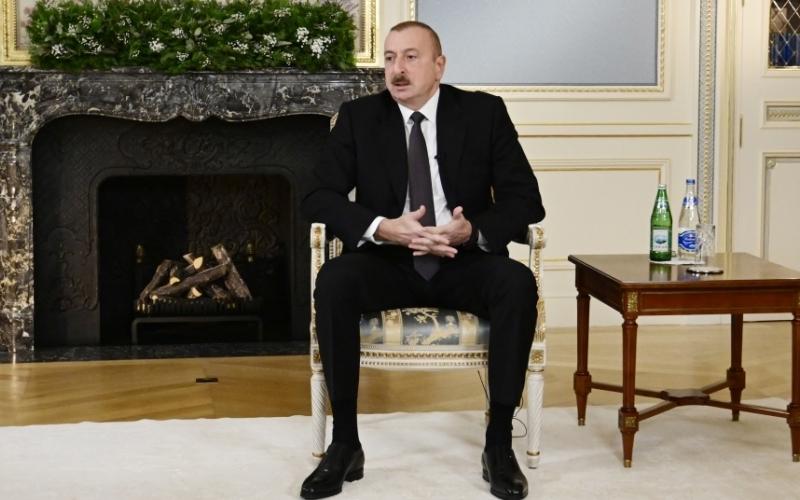 Prezident İlham Əliyev yerli jurnalistlərə ilin yekunları ilə bağlı geniş müsahibə verib
