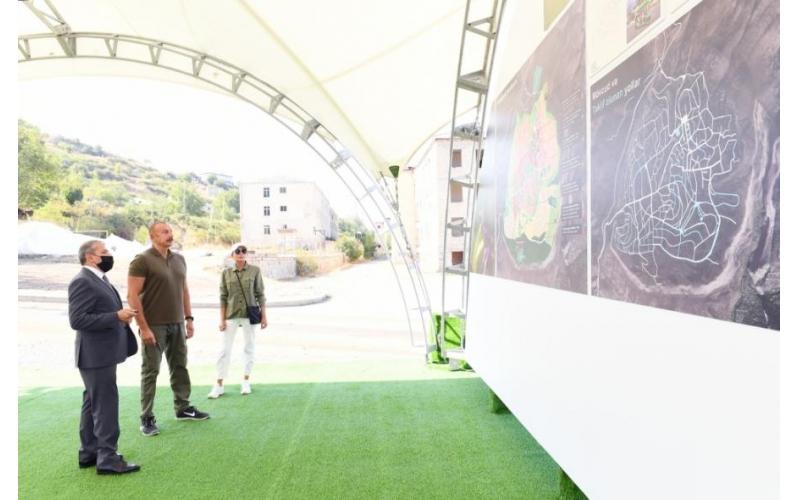 Dövlət başçısı və birinci xanıma Şuşanın baş planı təqdim olunub