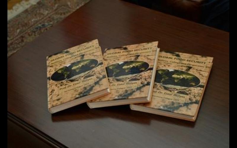Azərbaycanlı alimin Almaniyada kitabı çıxdı