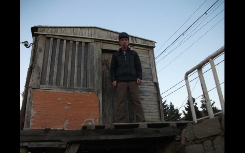 59 yaşlı Çernobıl  əlilinin  yaşadığı evlə bağlı