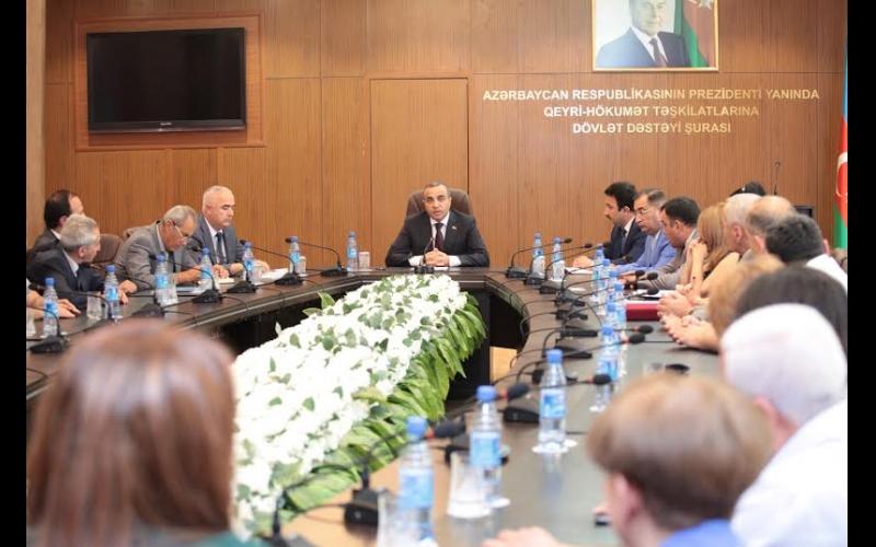 """Azay Quliyev """"Qarabağ"""" QHT Koalisiyasının üzvləri ilə görüşüb"""